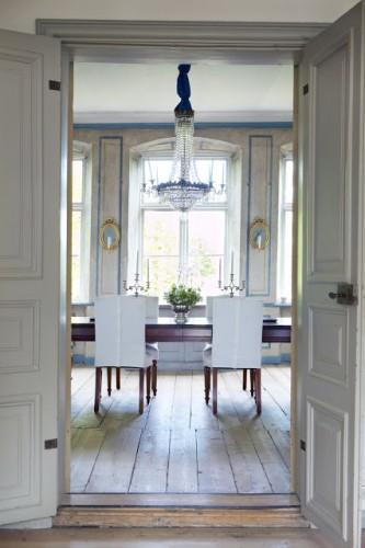 Scandinavian Desgn dining room